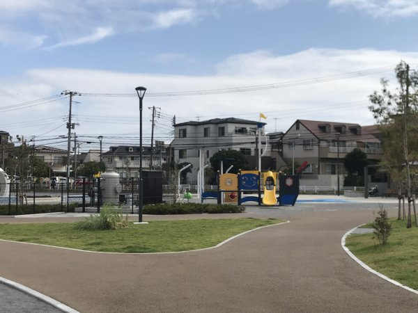 浦安公園のこかげ広場